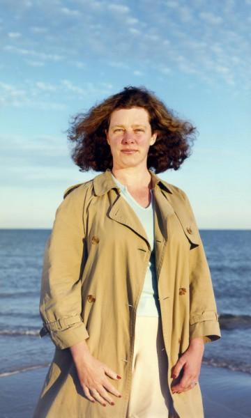 Annica Karlsson Rixon, Annika by the Sea/Annika vid havet 1999-2001,(Annika Öhrner at Skagerrak/Kattegatt), Skagen, 2000. C-print, 200 x 120. Moderna Museet. Foto: Annica Karlsson Rixon