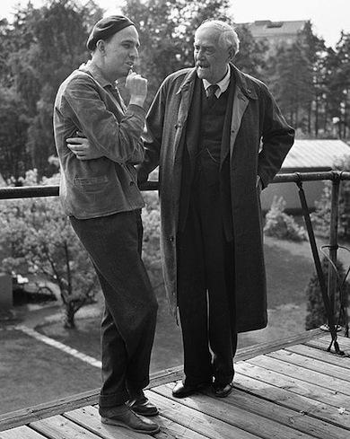 Ingmar Bergman och Victor Sjöström 1957 under inspelningen av Smultronstället. (Foto: Åke Blomquist / SvD - Wikimedia Commons)