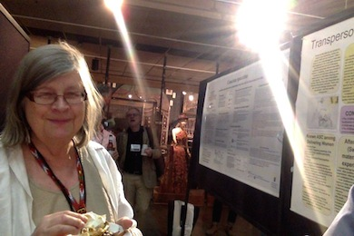 Kersti Wistrand vid sin poster på TSC konferens i Tucson 2014