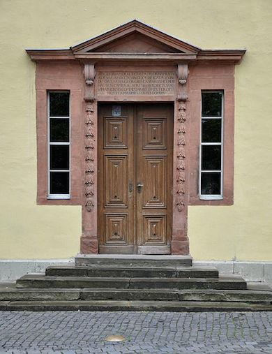 Porten till Goethes hem i Weimar (Wikicommons)