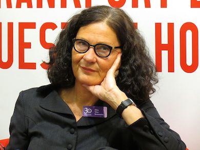 Ebba Bratt-Wittström, litteraturprofessor i Helsingfors