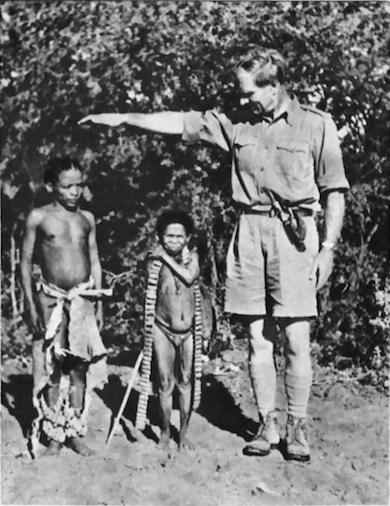Laurens Van der Post med Bushmen