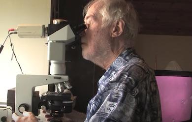 Erik Enby mikroskopiering. Foto Börje Peratt
