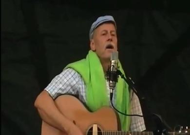 Jan Hammarlund sjunger sin visa om Vinterviken