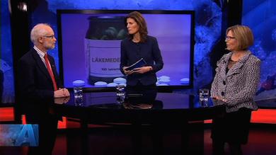 Dan Larhammar t.v möter Ursula Flatters t.h i SVT Aktuellt