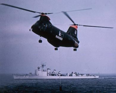 Bild: Ubåtsjakt från helikopter – Fotograf: okänd – Källa: Marinmuseum.se
