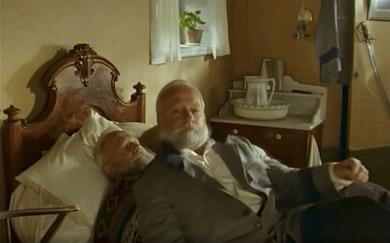 Ingvar Hirdvall i rollen som den nu döde Johan From i filmen Torntuppen.
