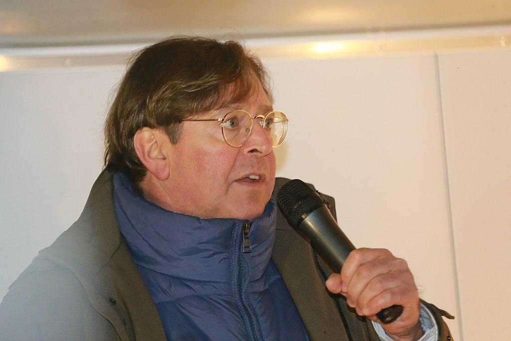 blu-news.org - Udo Ulfkotte bei Pegida Demonstration in Dresden am 05.01.2015