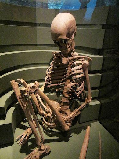 Bäckaskogskvinnan på Historiska museet i Stockholm (wikicommons)
