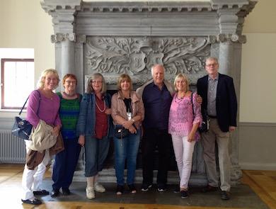 medlemmar, gäst och fyra av HK-styrelsen på Tyresö slott, höstupptakt 2016