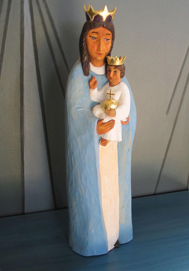Jungfru Maria med Jesusbarnet. Skulptur av Eva Spångberg