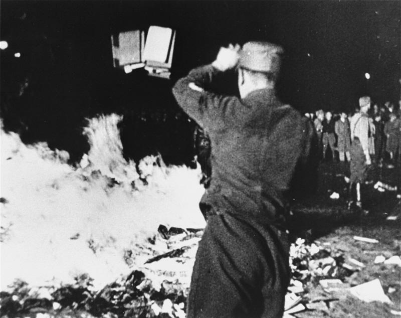 Bokbål i Tyskland 10 maj 1933 (Wikicommons)