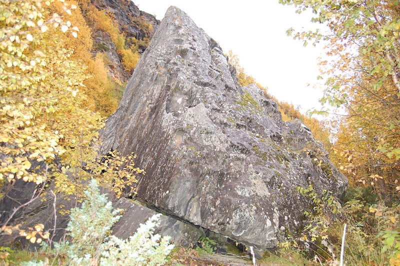En seite, helig sten, där offer ägde rum. Från Nordnorge. Foto: Labongo, wikipedia.