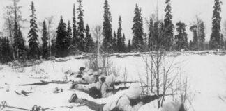 En finsk skidpatrull i norra Finland, inväntande ryska trupper. 12 januari 1940. (Wikicommons)