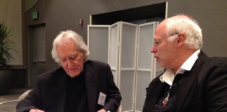 Hjärtkirurg Larry Dossey och Börje Peratt i möte på konferensen Universal Health Solutions i USA. Foto Ritva Peratt