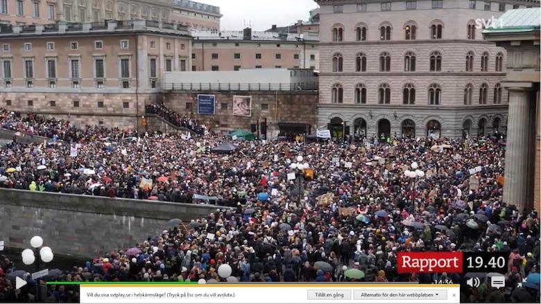 Thunberg strj samlar tusentals för klimatet Skärmdum SVT rapport