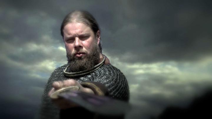 eowulfkvädet ligger bakom mycket av dagens fantasyböcker och filmer. Bland annat lät sig JRR Tolkien inspireras av dikten från 700-talet när han skrev Sagan om ringen. Filnamn: SVT-VETENSKAPENSVARLD-