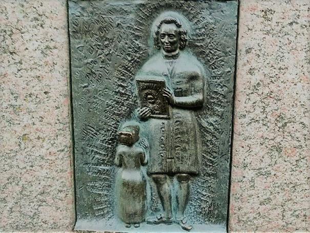 Del av staty vid Mariatorget, Hornsgatan, Stockholm. Foto: K. Wistrand.
