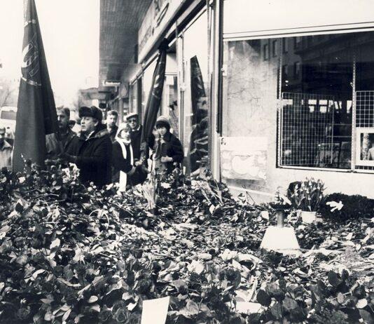 Brottsplatsen för mordet på Olof Palme, 3 mars 1986, Holger.Ellgaard - Wikipedia CC BY-SA 3.0