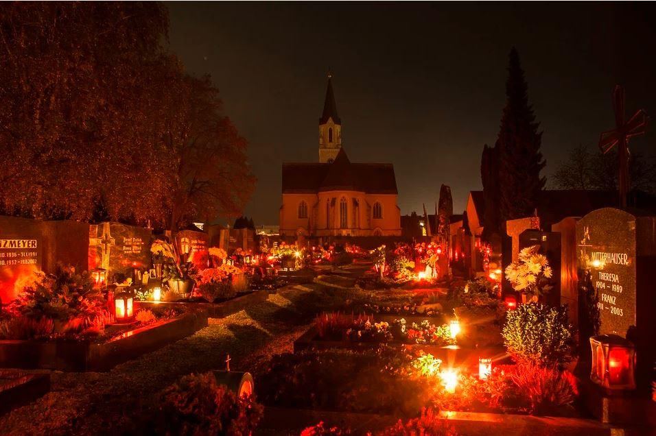 Kyrkogård Allhelgonahelg